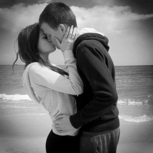 COUPLE KISSING | MELTING ICE TOWERS
