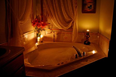 JAKE AND ABIGAIL SLIPPED IN THUS ROMANTIC BUBBLE BATH AND MADE LOVE