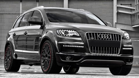 THE AUDI Q 7 COMES IN DIFFERENT COLOURS