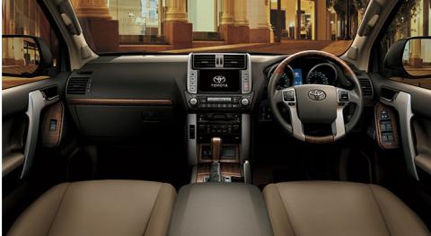 toyota-land-cruiser-prado-4-0-vx-2013-interior-view